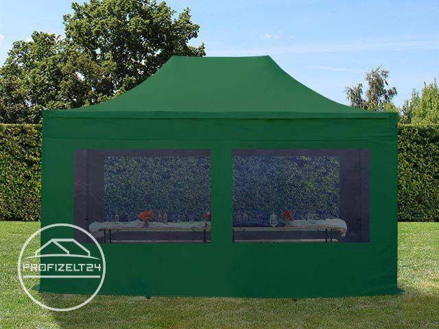 Faltpavillon auf Rasenfläche