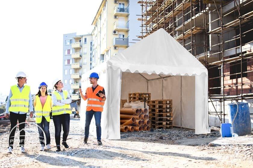 Robuste Lagerzelte 3x6 m als perfekte Arbeits- und Materialräume auf Baustellen