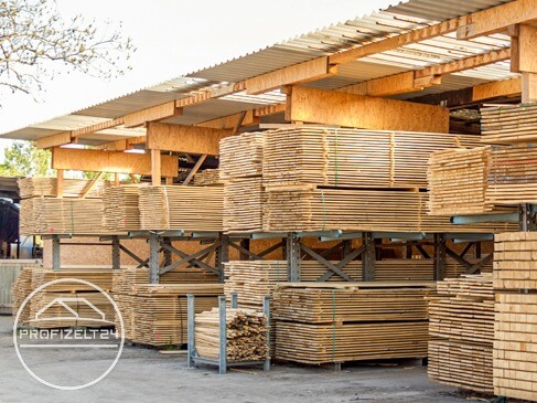 Massive Lagerhallen als feststehende Lagerlösung für Waren und Materialien