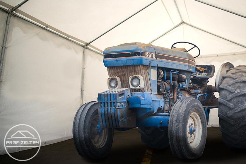 Robuste Lagerzelte 4x6 m als ideale Traktor-Unterstände in der Landwirtschaft
